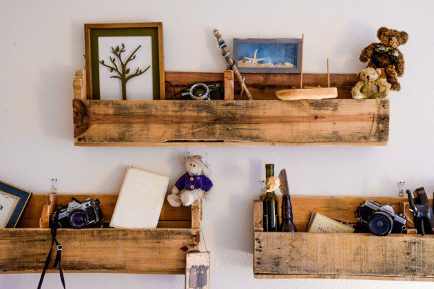 22 Simply Clever Homemade Pallet Furniture Designs To Start Right Now homesthetics wooden pallets diy projects (20)