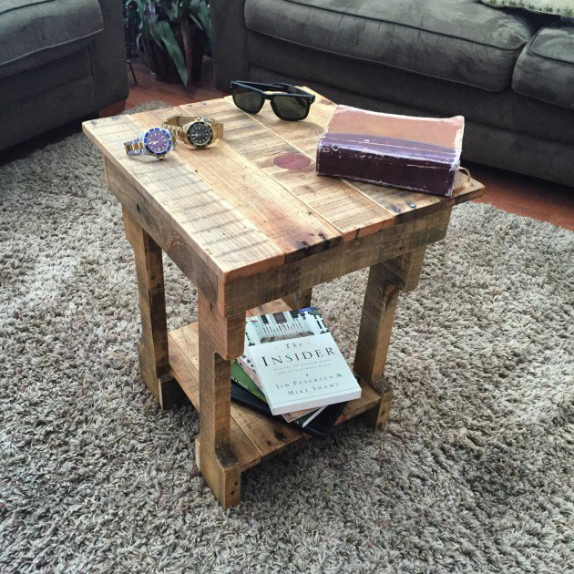 22 Simply Clever Homemade Pallet Furniture Designs To Start Right Now homesthetics wooden pallets diy projects (8)