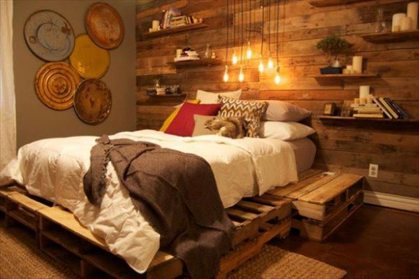 #15 RUSTIC BEDROOM DESIGN WITH WOODEN PALLET BED