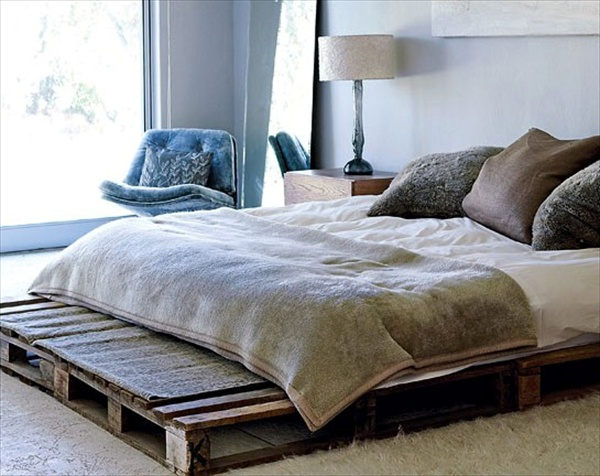 #12 FLUFFY DESIGN ENHANCING WOODEN PALLET BED