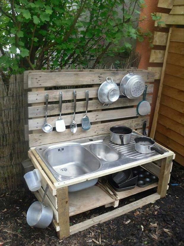#14 OUTDOOR WOODEN PALLETS KITCHEN