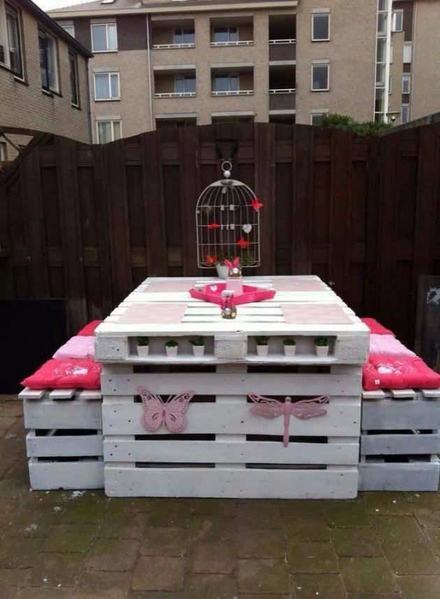 #2 WOODEN PALLET FURNITURE SET IN WHITE AND PINK