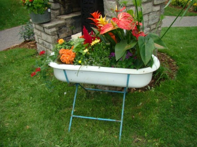 DIY Repurposed Bathtubs Projects-homesthetics (13)