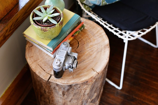 Magical DIY Tree Stump Table Ideas That Will Transform Your World homesthetics wood diy projects (3)