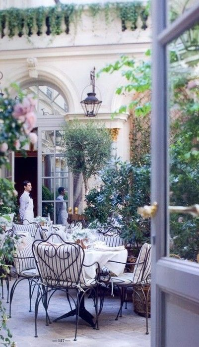15 Of The Most Elegant Patio Designs You Have Ever Seen-homesthetics.net (10)