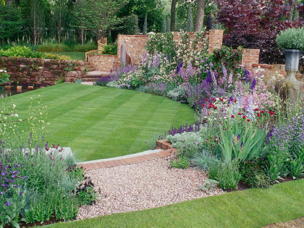 16 Backyard Landscaping Ideas That Will Beautify Your Household Through Simplicity homesthetics design (5)