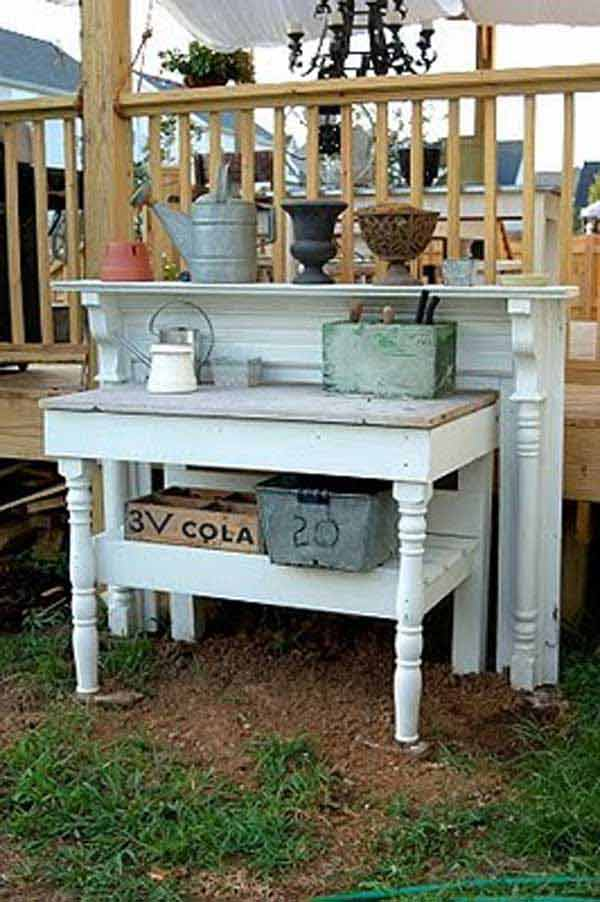 16 Simply Beautiful Ways to Decorate With Mantel Outdoors homesthetics decor (14)