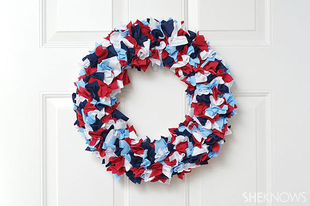 17 Patriotic DIY Wreath Ideas Ready to Welcome Guests Proudly homesthetics ideas (4)