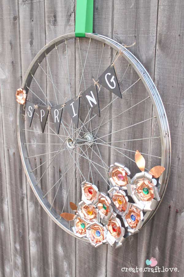 21 Awesomely Creative DIY Crafts Re-purposing Bike Rims  homesthetics upcycling projects (17)