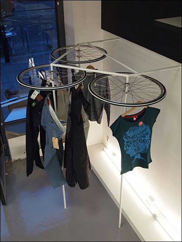 21 Awesomely Creative DIY Crafts Re-purposing Bike Rims  homesthetics upcycling projects (19)