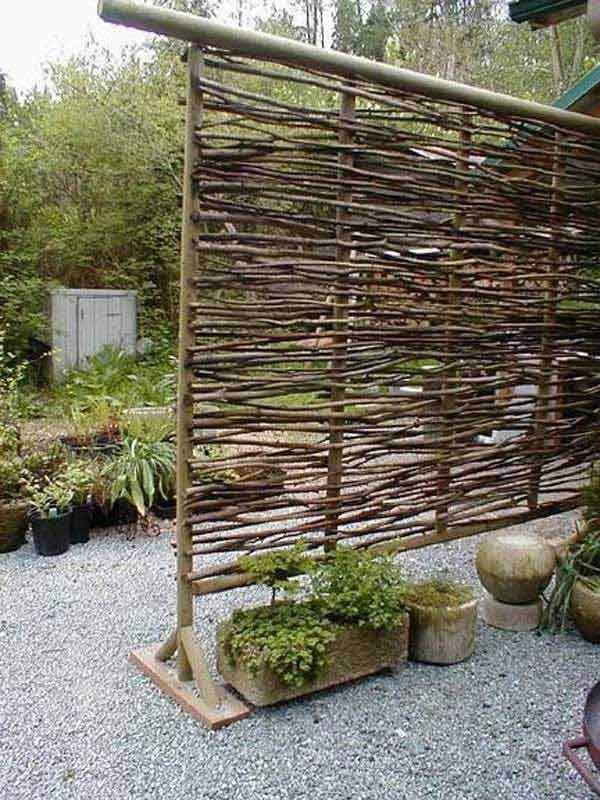 Low Budget Wattle Privacy Screen With Sculptural Aesthetic Values - 22 Simply Beautiful Low Budget Privacy Screens For Your Backyard