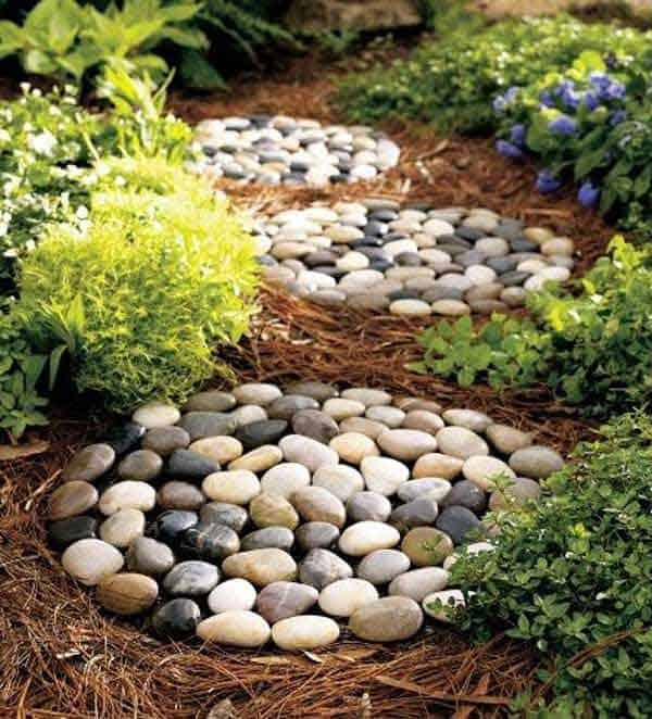 23 Mesmerizing DIY Stepping Stones To Realize For Your Backyard  Homesthetics Decor (15)