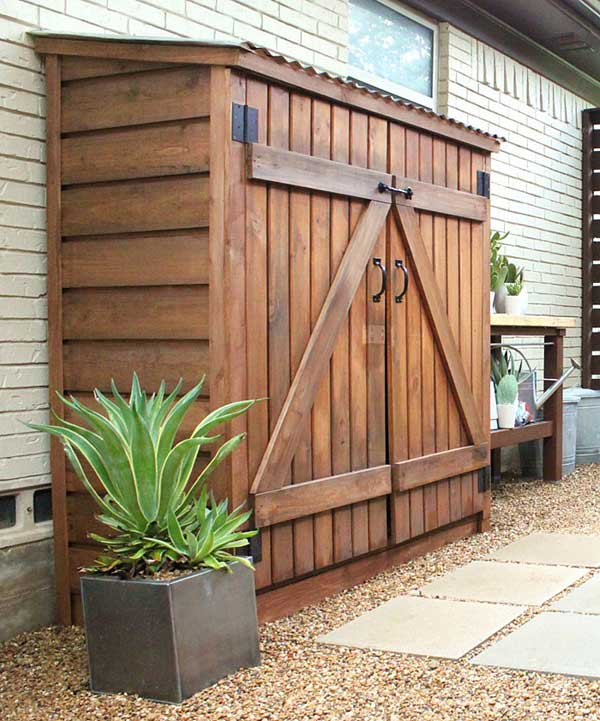 24 ingenious and practical diy yard storage solutions for Outdoor tool shed