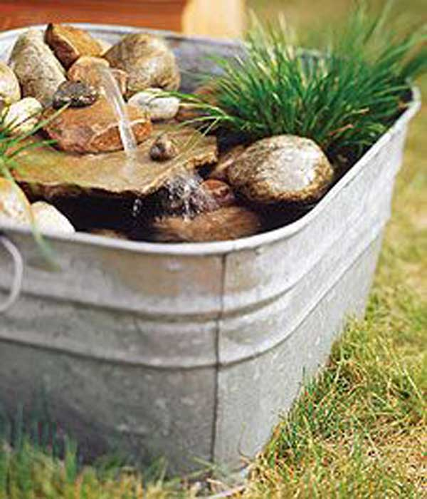 26 wonderful outdoor diy water features tutorials and for Small backyard water features