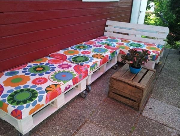 26 of The Worlds Best Outside Seating Ideas Design by Up-Cycling Items in DIY Projects homesthetics diy outdoor seating ideas (3)