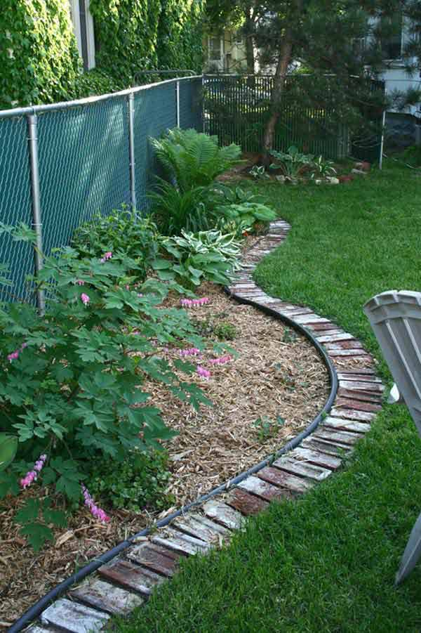 27+ DIY Garden Bed Edging Ideas Ready to Emphasize Your Greenery homesthetics backyard landscaping (24)