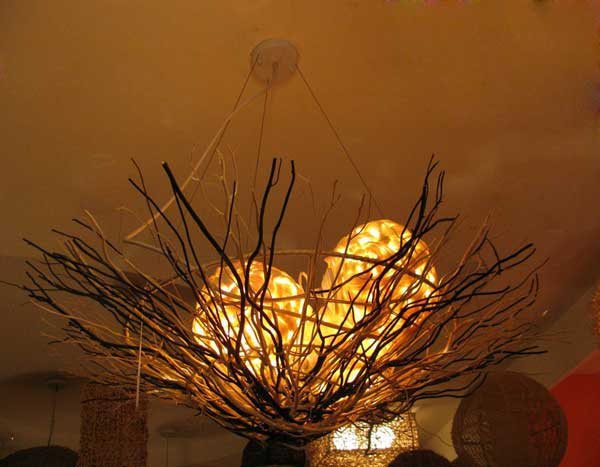 30 Sculptural DIY Tree Branch Chandeliers to Realize In an Unforgettable Setup homesthetics decor (10)