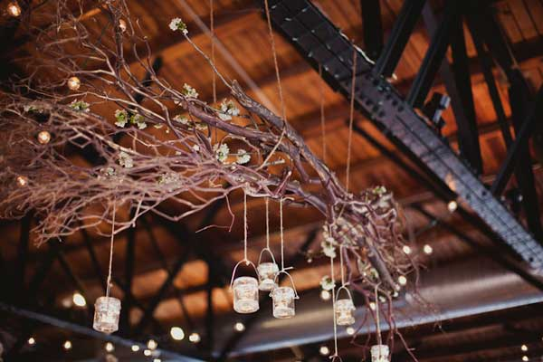 30 Sculptural DIY Tree Branch Chandeliers to Realize In an Unforgettable Setup homesthetics decor (16)