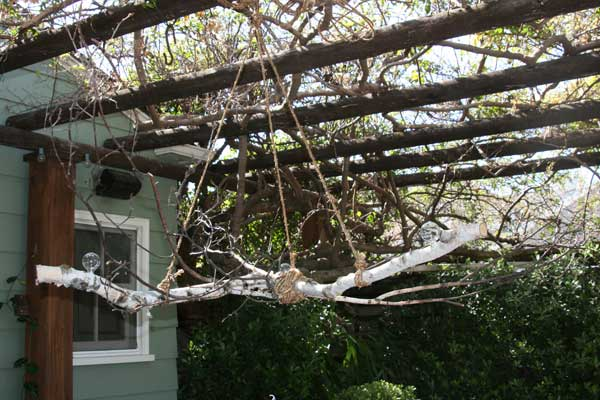 30 Sculptural DIY Tree Branch Chandeliers to Realize In an Unforgettable Setup homesthetics decor (4)