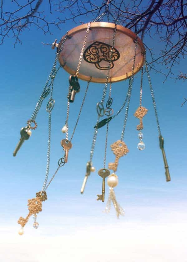 30 Simple and Beautiful DIY Wind Chimes Ideas to Materialize This Summer homesthetics decor (27)