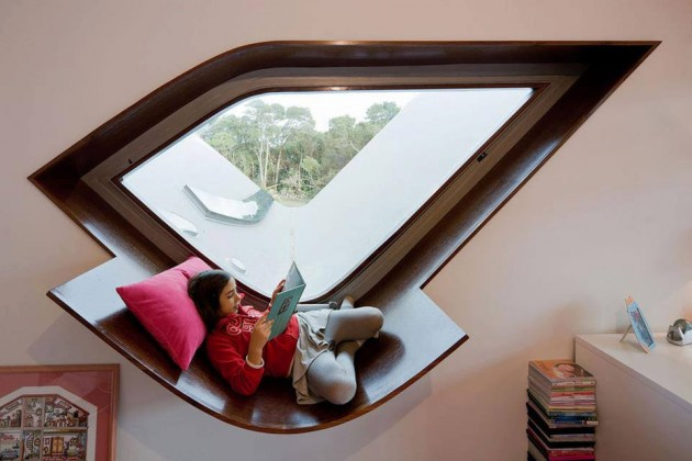 30 Stunning and Mesmerizing Window Seats That Will Beautify Your Home homesthetics window reading nooks (12)