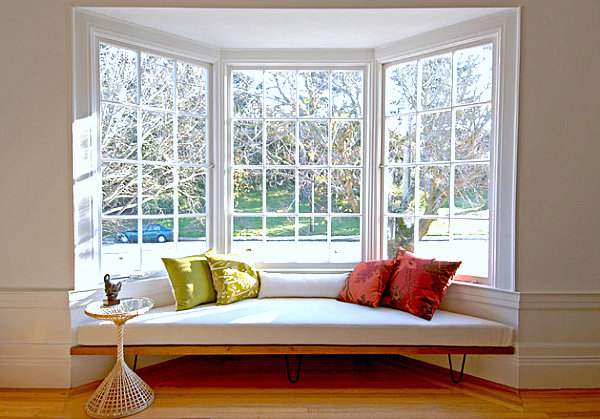 30 Stunning and Mesmerizing Window Seats That Will Beautify Your Home homesthetics window reading nooks (17)