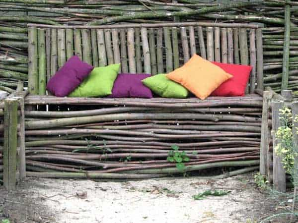 35 Beautiful Garden Benches Projects To Realize This Summer and Emphasize Greenery  homesthetics landscaping (13)