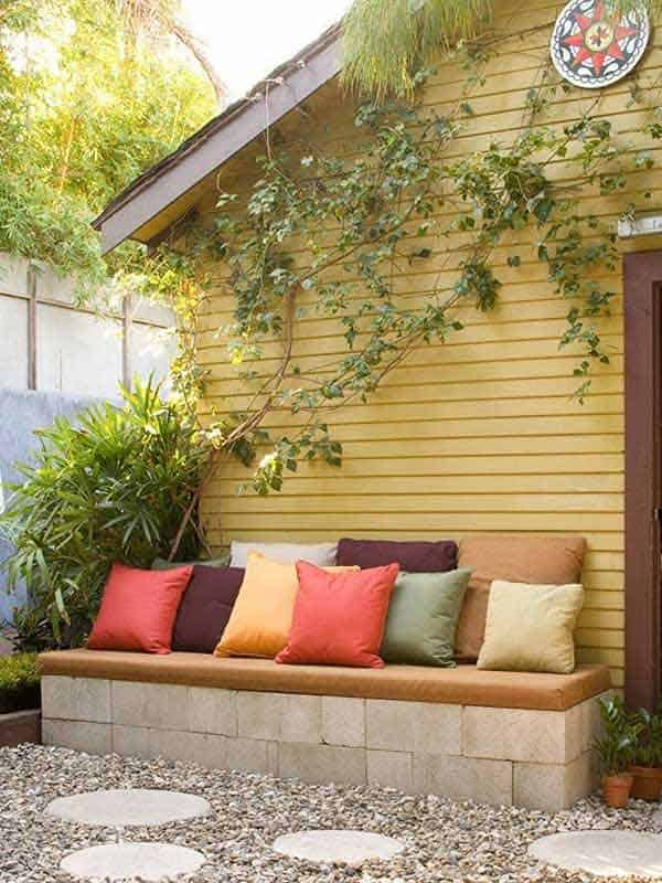 35 Beautiful Garden Benches Projects To Realize This Summer and Emphasize Greenery  homesthetics landscaping (18)