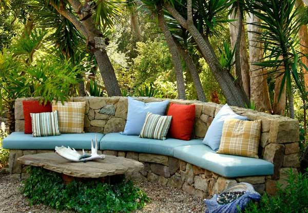 35 Beautiful Garden Benches Projects To Realize This Summer and Emphasize Greenery  homesthetics landscaping (28)