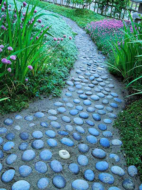 41 Ingenious and Beautiful DIY Garden Path Ideas To Realize in Your Backyard homesthetics backyard landscaping (30)