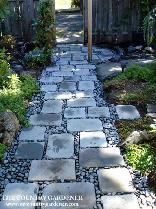 41 Ingenious and Beautiful DIY Garden Path Ideas To Realize in Your Backyard homesthetics backyard landscaping (37)
