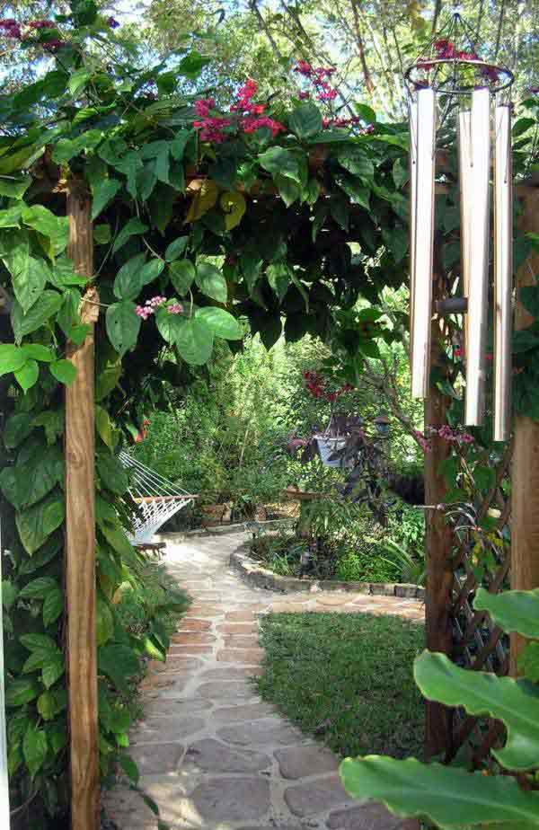 41 Ingenious and Beautiful DIY Garden Path Ideas To Realize in Your Backyard homesthetics backyard landscaping (39)
