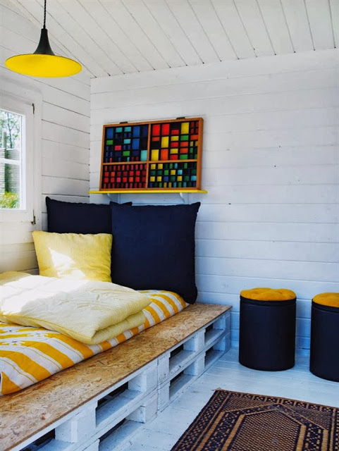 60 Beautiful Inspirational Ideas On How To Recycle Pallets-homesthetics.net (55)