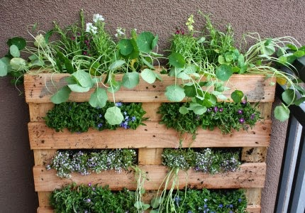 60 Beautiful Inspirational Ideas On How To Recycle Pallets-homesthetics.net (79)