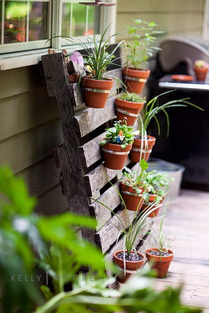 60 Beautiful Inspirational Ideas On How To Recycle Pallets-homesthetics.net (80)