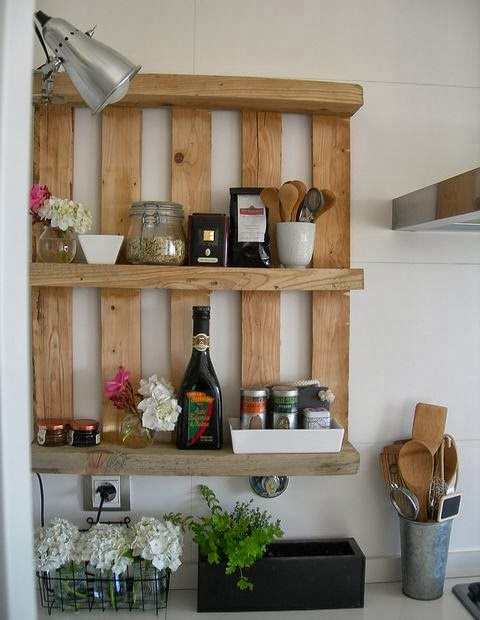 60 Beautiful Inspirational Ideas On How To Recycle Pallets-homesthetics.net (97)