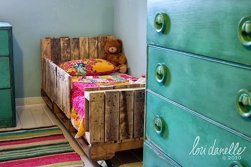 60 Beautiful Inspirational Ideas On How To Recycle Wooden Pallets-homesthetics.net (1)
