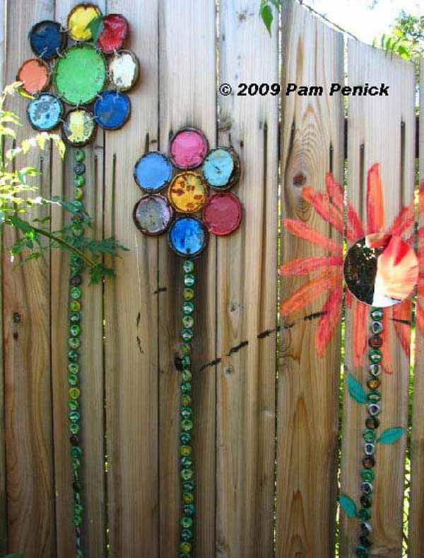 Get Creative With These 23 Fence Decorating Ideas and Transform Your Backyard homesthetics design (12)