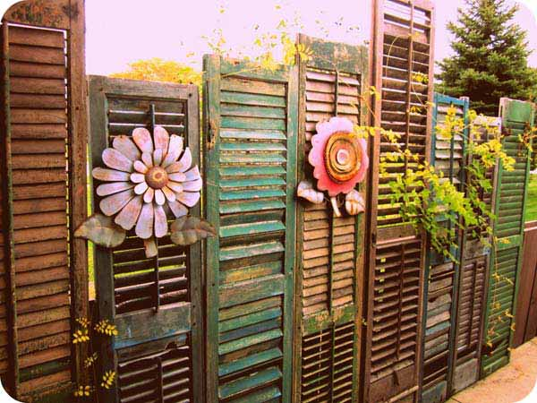 Get Creative With These 23 Fence Decorating Ideas and ... on Backyard Wooden Fence Decorating Ideas id=86261