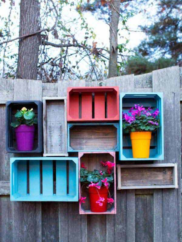 Get Creative With These 23 Fence Decorating Ideas and Transform Your Backyard homesthetics design (20)