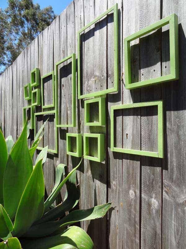 Get Creative With These 23 Fence Decorating Ideas and Transform Your Backyard homesthetics design (4)
