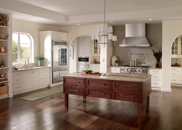 Timeless Design Nestled in 18 Traditional Kitchen Designs Today homesthetics (18)