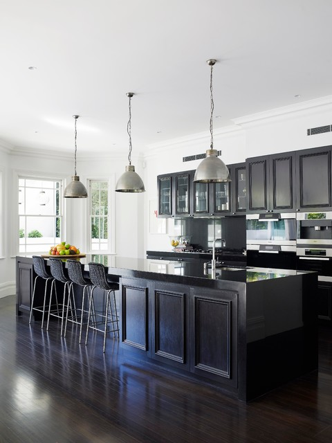 Timeless Design Nestled in 18 Traditional Kitchen Designs ...