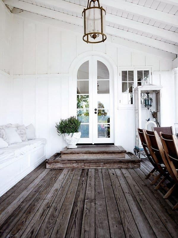 16 ways to add decor to your vaulted ceilings for Half vaulted ceiling with beams
