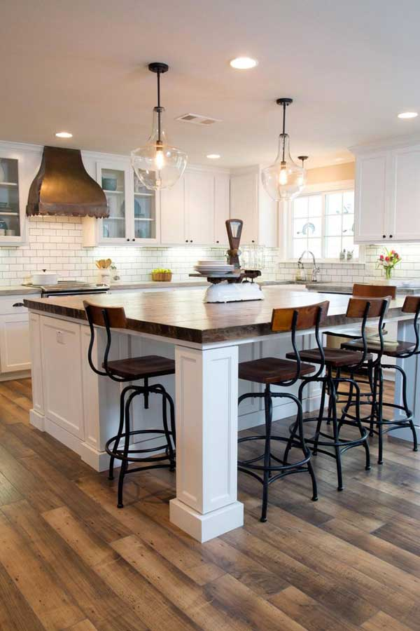 19 Neat Useful Kitchen Isles Designs With Seating Options Included homesthetics decor (8)
