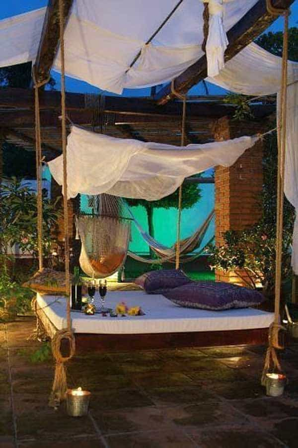 19 Relaxing Suspended Outdoor Beds That Will Transform Your Summer homesthetics decor (14)