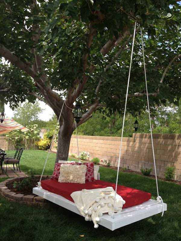 19 Relaxing Suspended Outdoor Beds That Will Transform Your Summer homesthetics decor (17)