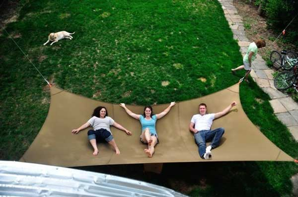 19 Relaxing Suspended Outdoor Beds That Will Transform Your Summer homesthetics decor (9)
