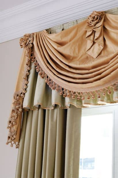 20 BEAUTIFULLY DESIGNED DRAPES OF YOUR CHOOSING TO ADD TO YOUR HOME'S DECOR (16)
