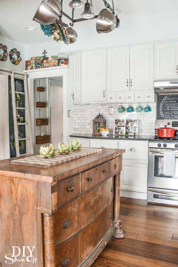 21 Creative Ideas on How to Add a Vintage Touch to Your Kitchen homesthetics decor (15)